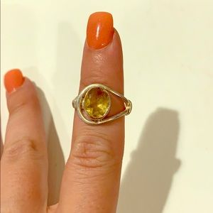 Yellow quartz fashion ring